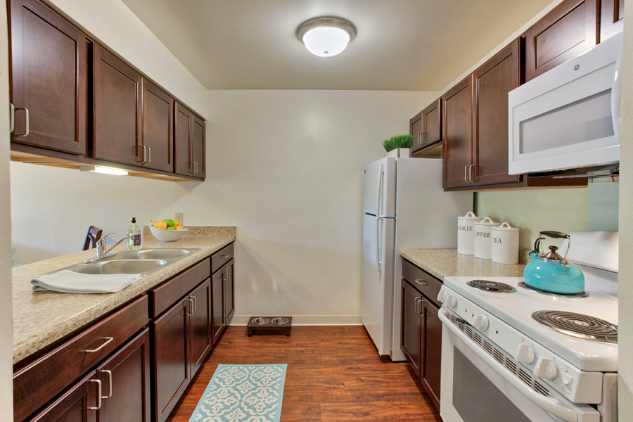 Ambrose_Ridge-Apartment-Kitchen