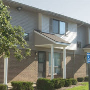 Oak_Meadows_Apartments-Exterior-Building-1