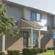 Oak_Meadows_Apartments-Exterior-Building-1