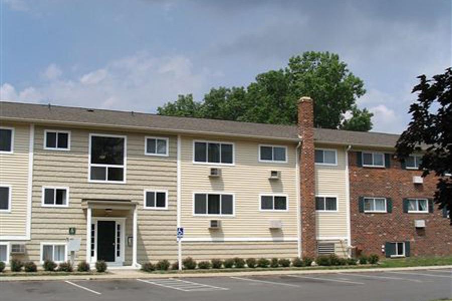 Park_Place_Apartment_Homes-Building-Exterior-1
