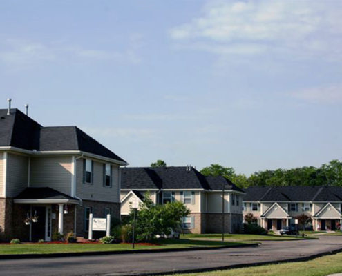 Silver_Creek_Apartments-Complex_Entrance